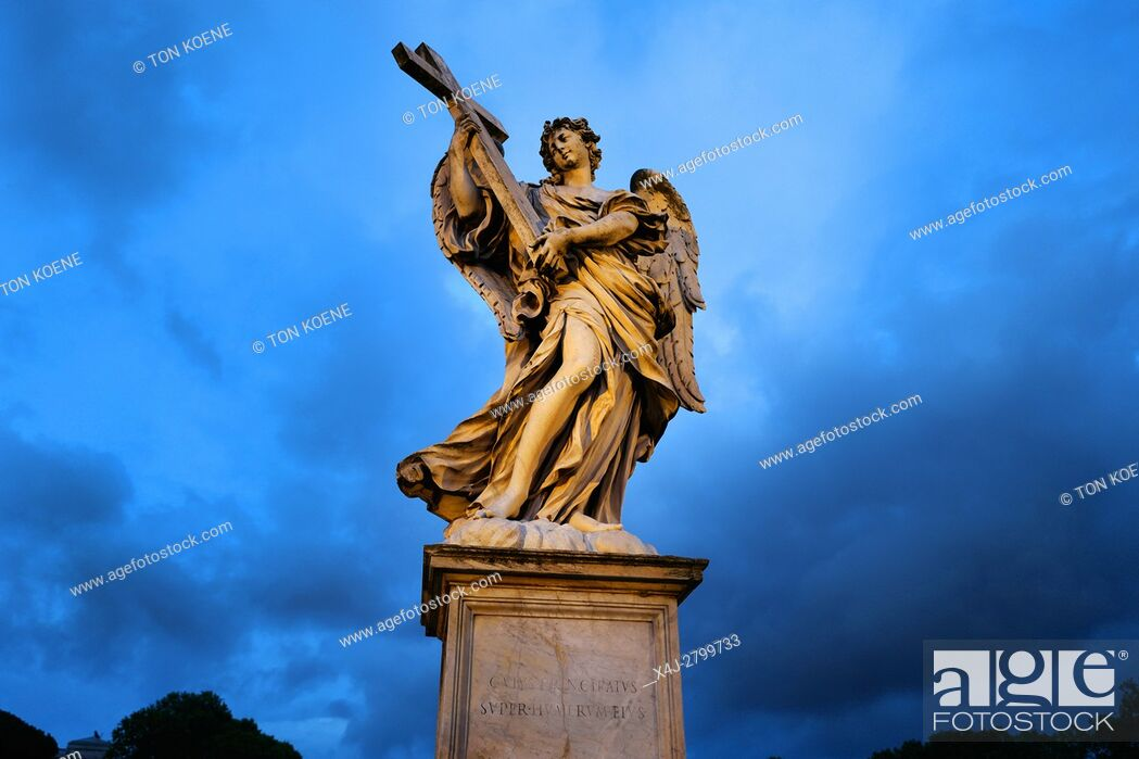 Photo de stock: angel statue on a river in Rome.