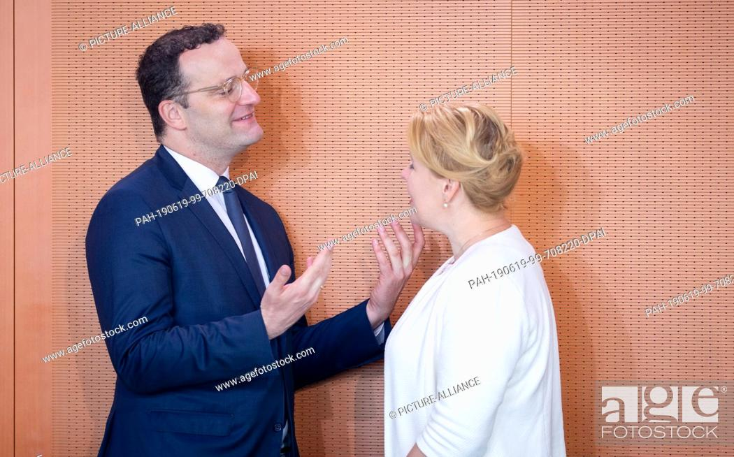 Imagen: 19 June 2019, Berlin: Jens Spahn (CDU), Federal Minister of Health, and Franziska Giffey (SPD), Federal Minister of Family Affairs, Senior Citizens.