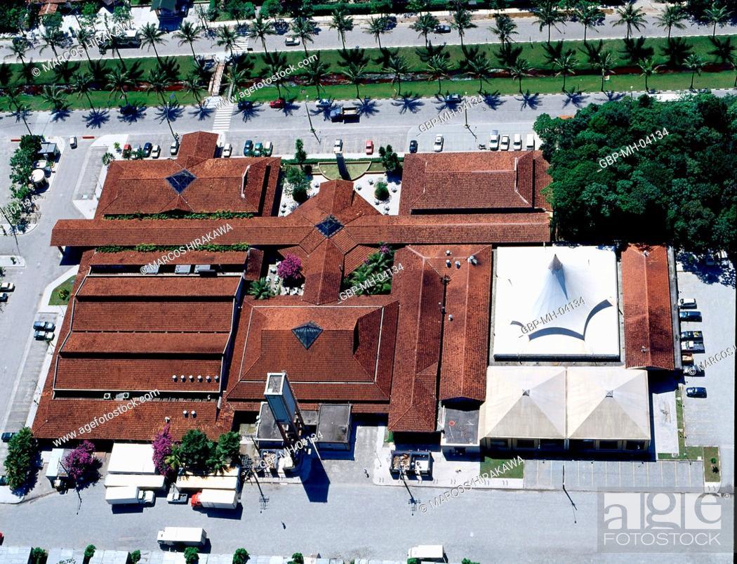Stock Photo: Shopping Center, Riviera Sao Lourenco, Bertioga, Sao Paulo, Brazil.