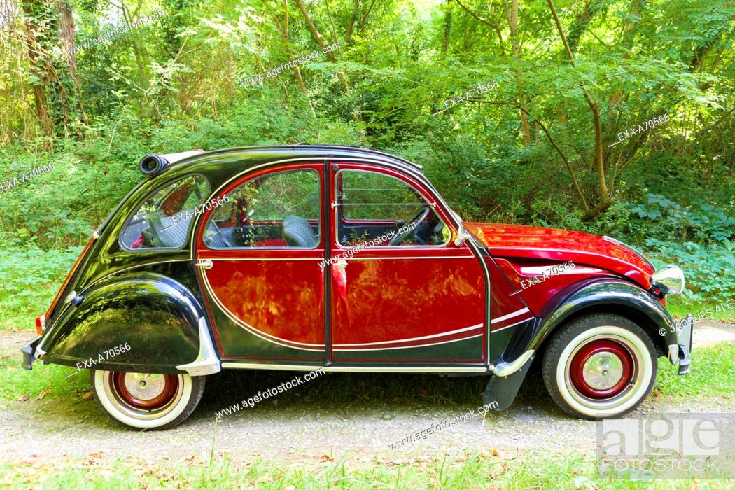 Imagen: Vintage car Citroen Charleston.