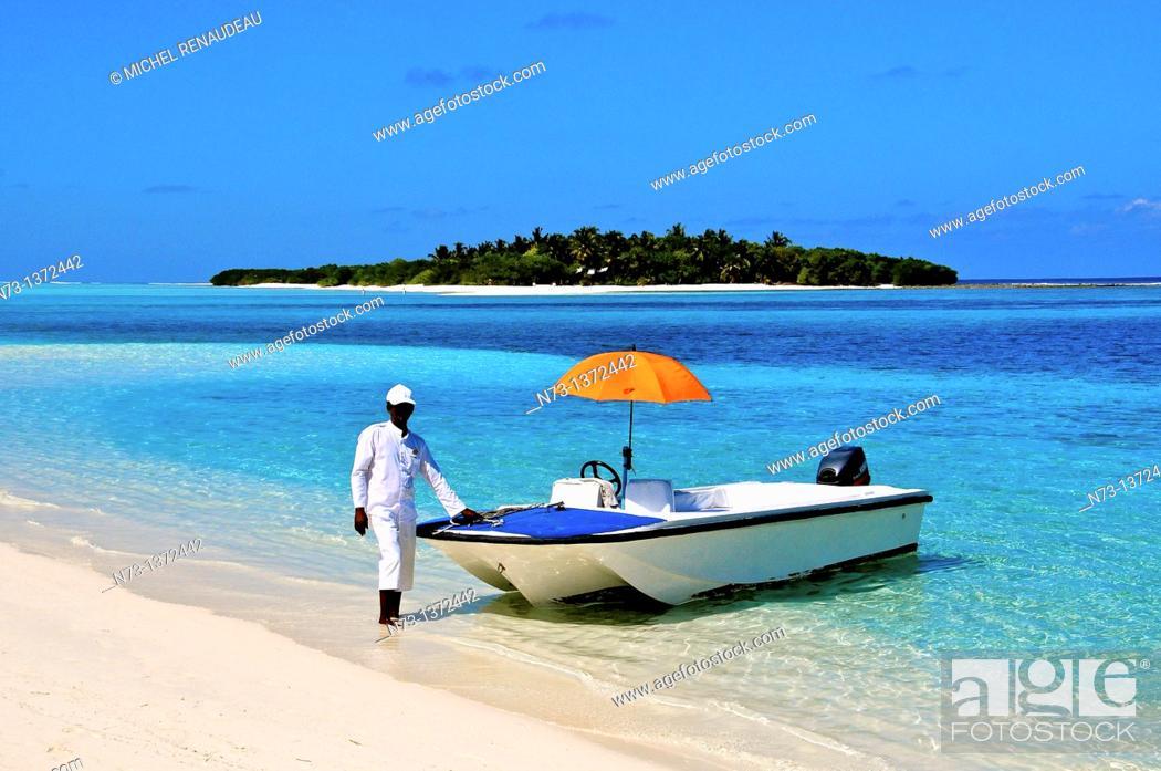 Stock Photo: Indian Ocean, Maldives, Noonu Atoll, Kanuhura Resort.
