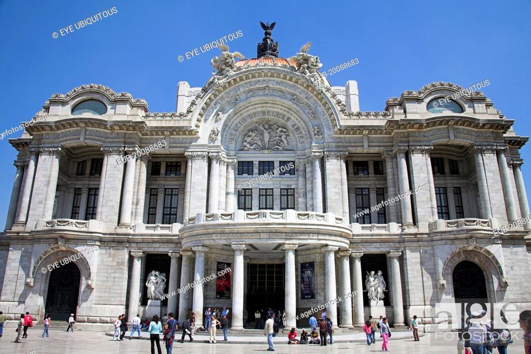 Stock Photo: Palacio de las Bellas Artes, and Museo Nacional de Arquitectura, Alameda Central.