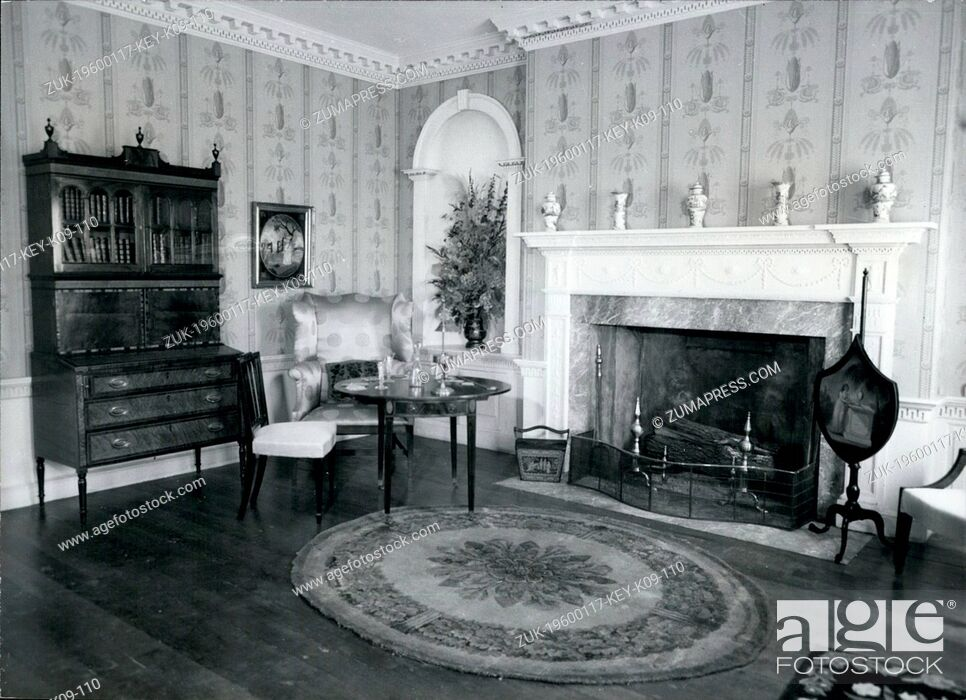 Imagen: Jan 17, 1960 - Baltimore, Maryland, U.S. - The Deer Park parlor from Baltimore County, Maryland features a characteristically large fire place opening around.