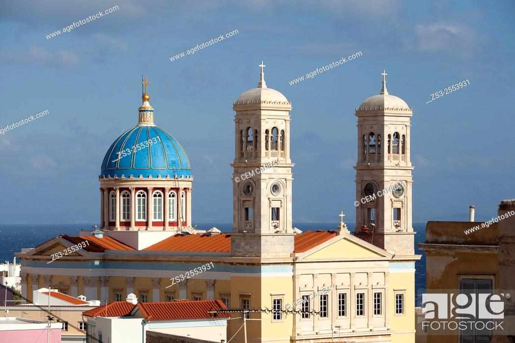 Imagen: Blue dome and bell towers of the Neo Classic Greek Orthodox Church of Saint Nicholas, Ermoupolis, Syros, Cyclades Islands, Greek Islands, Greece, Europe.