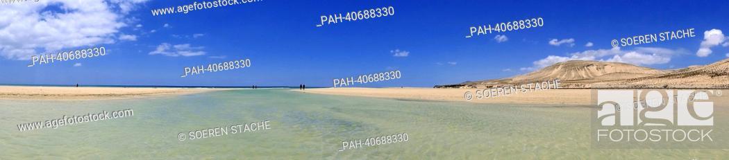 Stock Photo: View of the wide sandy beach of Sotavento near Costa Calma on Fuerteventura, Spain, 05 June 2013. Photo:Soeren Stache | usage worldwide.
