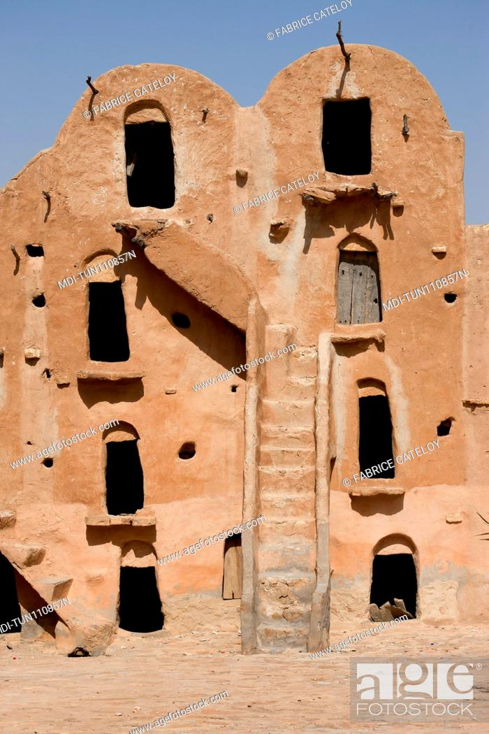 Imagen: Tunisia - Ksar Ouled Soltane - Ksar used before to store goods for men and animals.