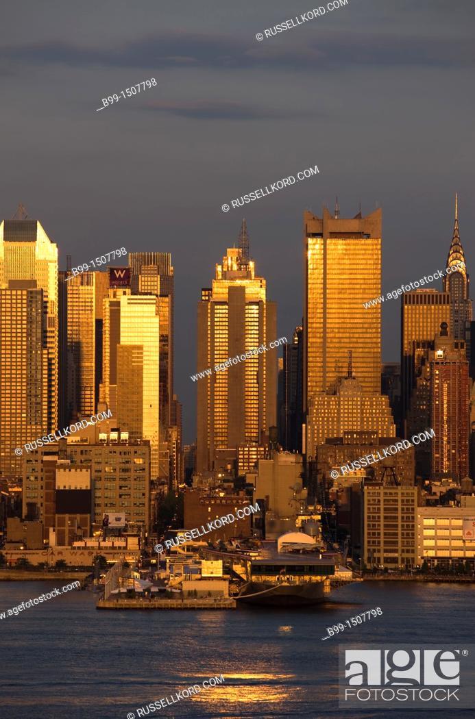 Stock Photo: Midtown Skyline Hudson River Manhattan New York City USA.