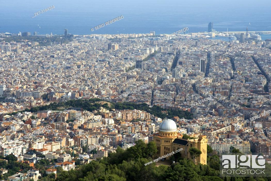 Imagen: View and skyline of Barcelona from Mount Tibidabo.