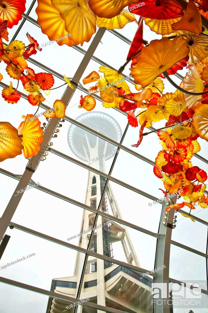 Stock Photo: Decorative glass roof of the museum and Seattle Space Needle, Chihuly Garden and Glass museum, Seattle, USA.