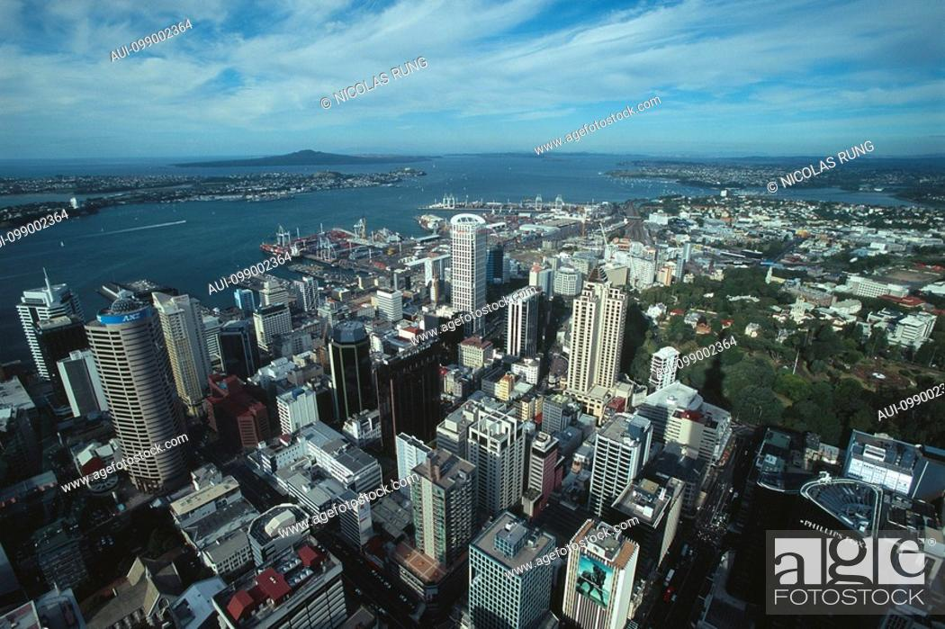 Stock Photo: New Zealand - North Island - Auckland Centre - View of the Sky Tower.