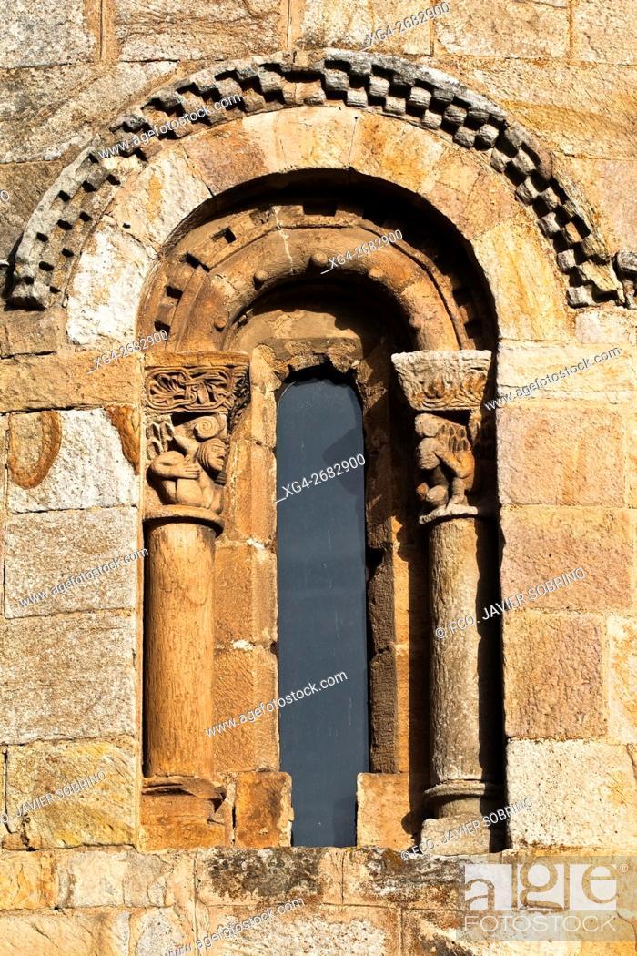 Stock Photo: Colegiata románica de San Pedro - Cervatos - Campoo de Enmedio - Los Valles - Cantabria - España - Europa.