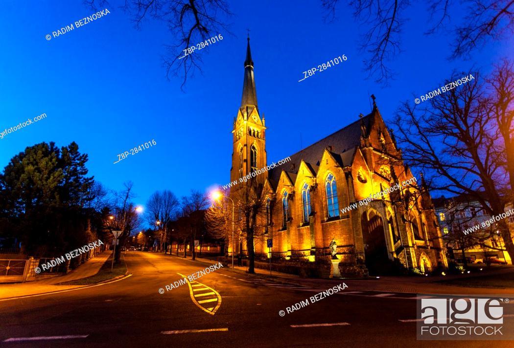 Imagen: St. Elizabeth church in neo Gothic style, Teplice, North Bohemia, Czech Republic.