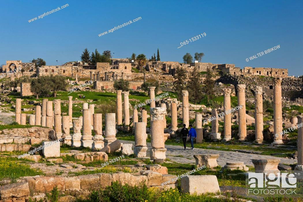 Stock Photo: Jordan, Umm Qais-Gadara, ruins of ancient Jewish and Roman city.