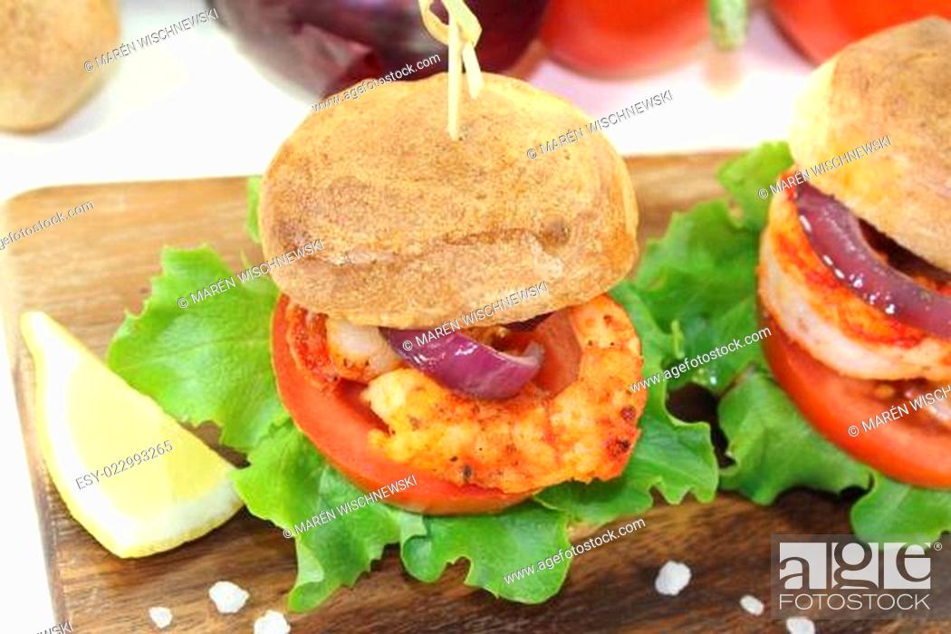 Stock Photo: bunter gesunder köstlicher Garnelenburger.