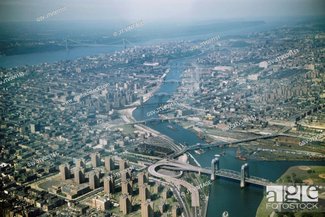 Stock Photo: High Angle View of Queens, Bronx and Manhattan, East River and Hudson River, New York City, New York, USA, August 1959.
