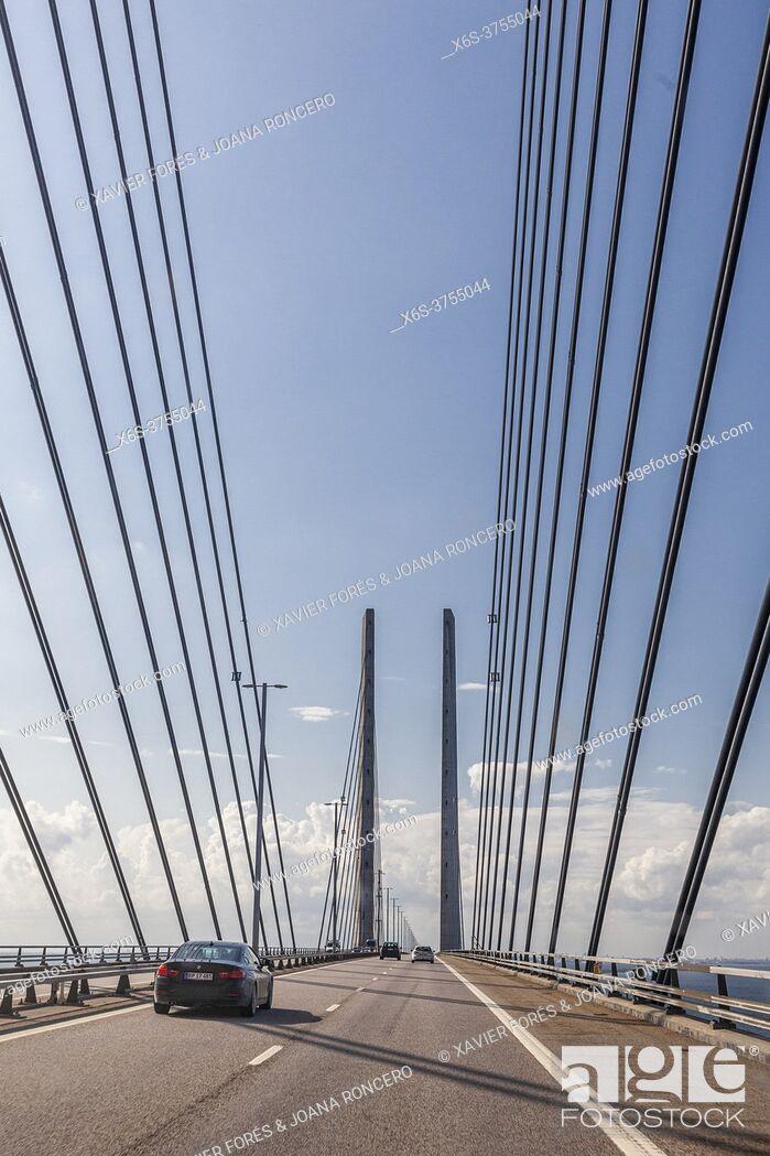 Stock Photo: Ã. resund bridge, view from Sweden.