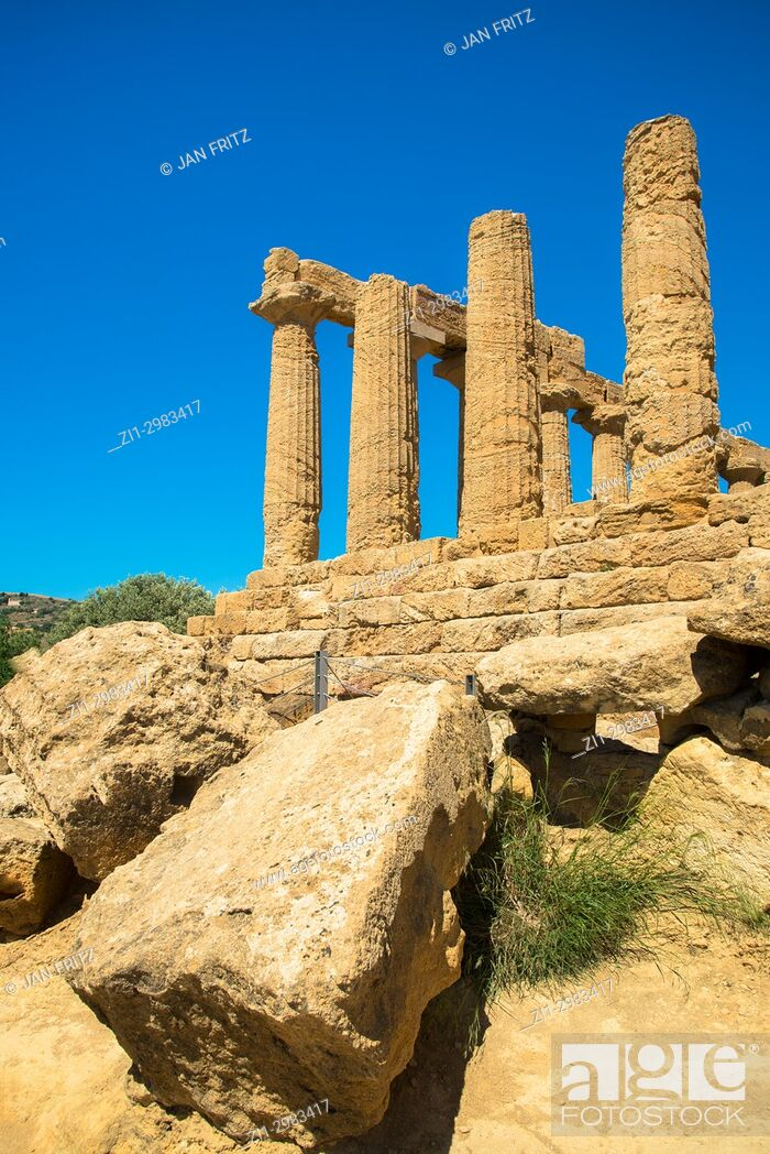 Stock Photo: Pilars at the ruins of Temple of Juno in the Valley of the Temples, Agrigento, Sicily, Italy.