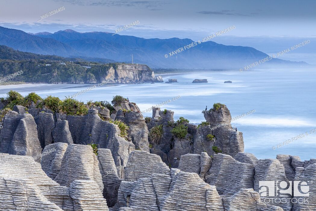 Stock Photo: Pancake Rocks in Punakaiki, Paparoa National Park, South Island, New Zealand.