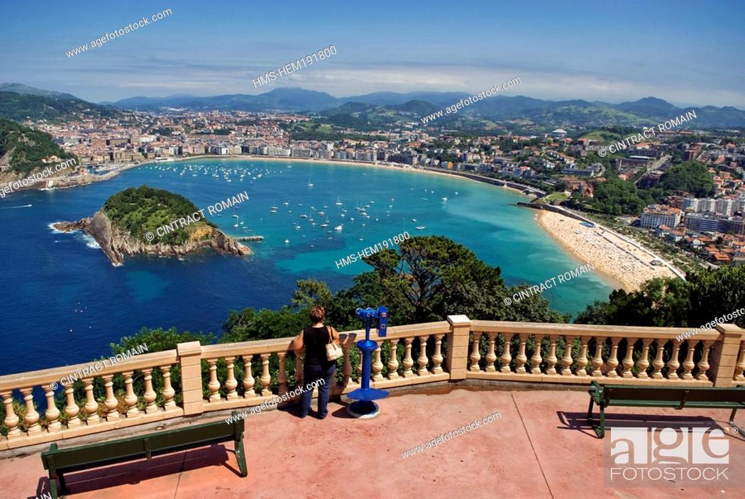Stock Photo: Spain, Guipuzcoa Province, San Sebastian, Santa Clara Island in the Concha Bay seen from Igueldo Mount.