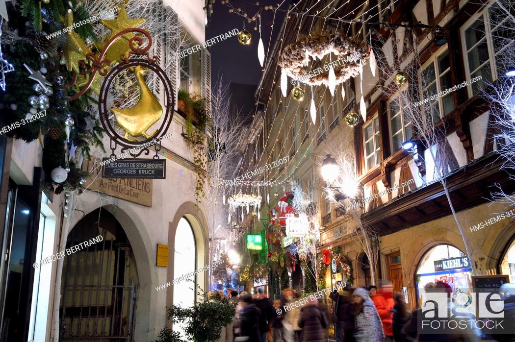 Stock Photo: France, Bas Rhin, Strasbourg, old town listed as World Heritage by UNESCO, christmas decorations on rue des Orfèvres.