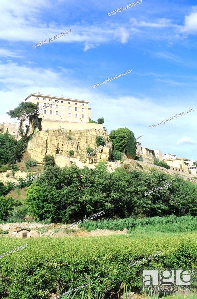 Stock Photo: Vaucluse - Haute-Provence - Luberon - Lauris.