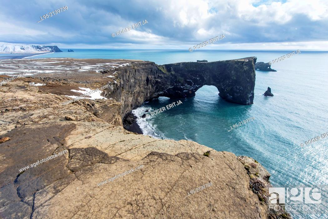 Stock Photo: Dyrhólaey promontory on the Atlantic ocean, Iceland.