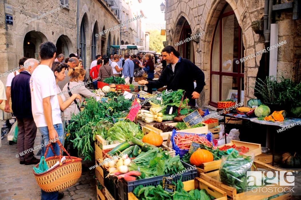 Stock Photo   France, Tarn Et Garonne, SAINT ANTONIN NOBLE Val MARKET