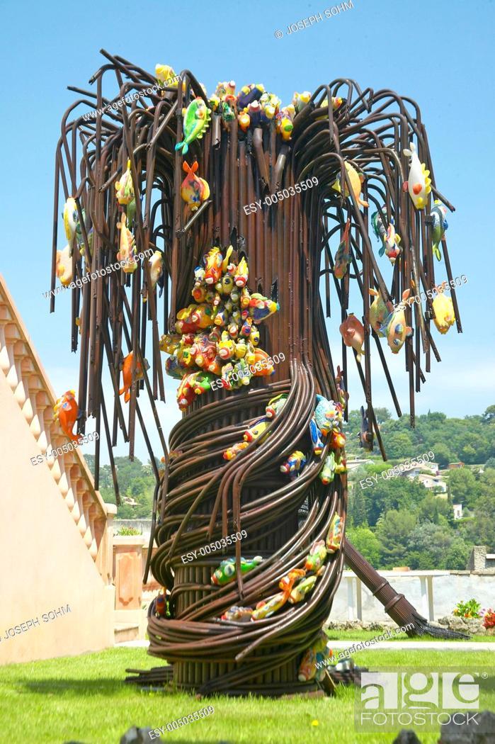 Imagen: Blown glass Palm Tree, Biot, France.