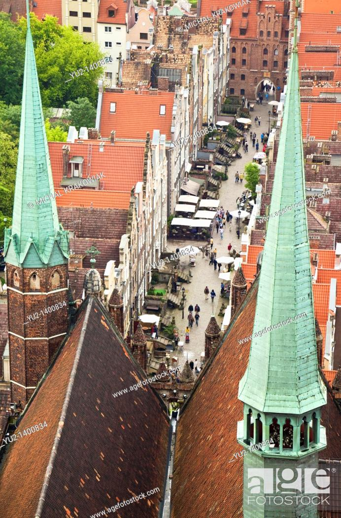 Imagen: View on old town of Gdansk from tower of St  Mary's Church.