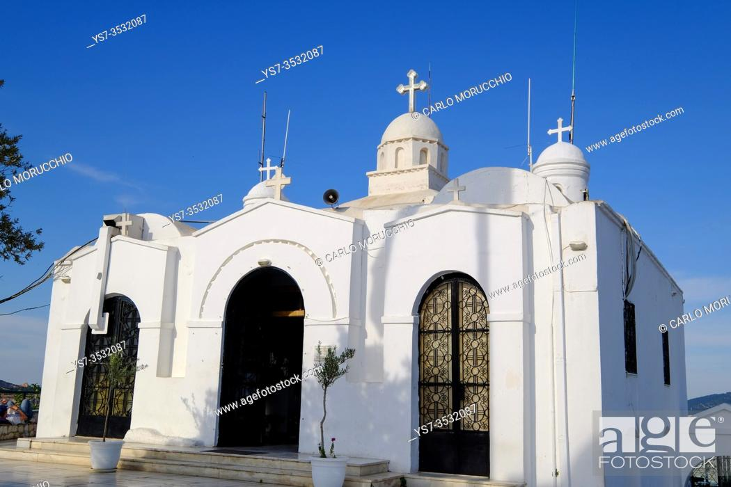 Imagen: St. George church at the top of Mount Lycabettus , Athens, Greece, Europe.