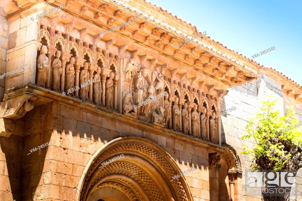 Imagen: Iglesia románica de San Juan Bautista, Moarves de Ojeda, Province of Palencia, Castile-Leon, Spain.