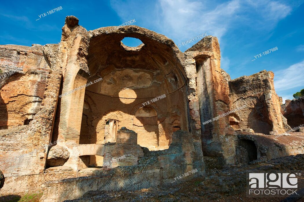 Stock Photo: Small Thermal Baths at Hadrian's Villa  Villa Adriana  built during the second and third decades of the 2nd century AD, Tivoli.