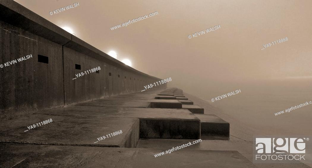 Stock Photo: Sea mist at high tide.