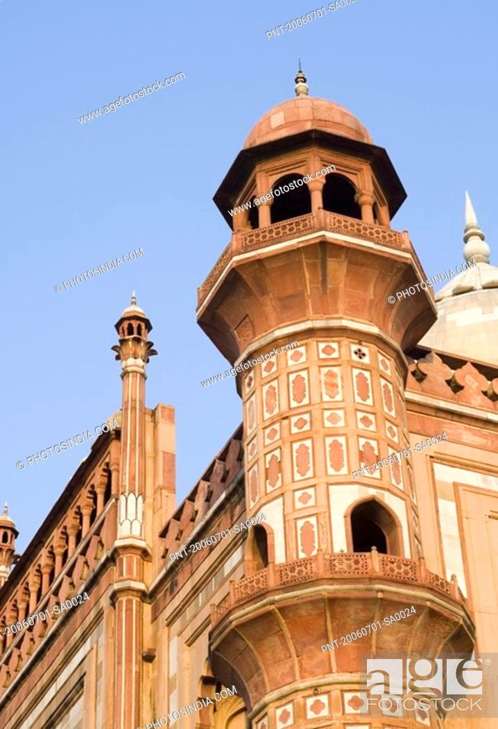 Stock Photo: Low angle view of the watch tower of a monument, Safdarjung Tomb, New Delhi, India.