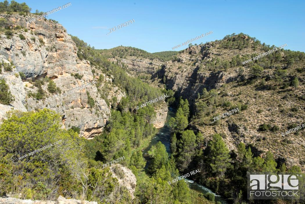 Stock Photo: River Cabriel. Villargordo de Cabriel, Valencia province, Comunidad Valenciana, Spain.