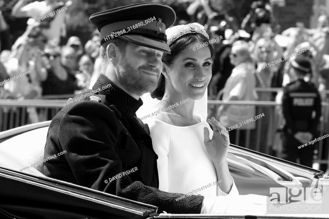 Photo de stock: Mandatory Credit: Photo by David Fisher/REX/Shutterstock (9685483ak) Prince Harry and Meghan Markle The wedding of Prince Harry and Meghan Markle.