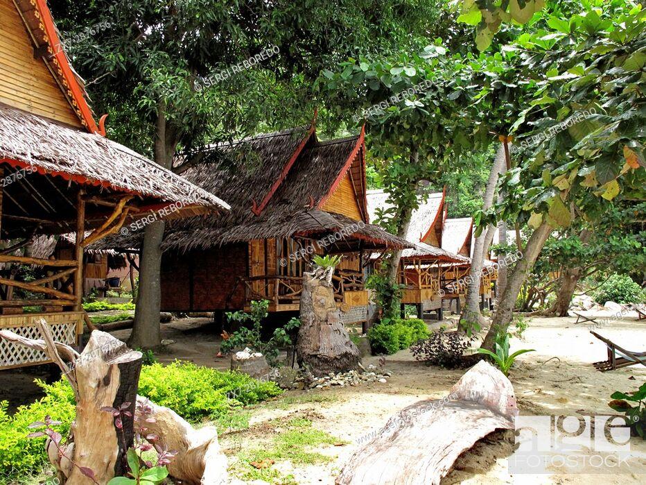 Imagen: Phi Phi Relax Beach Resort cottages, Phak Nam Bay, Koh Phi Phi Island, Thailand. Asia. Phi Phi Don island. Krabi province, Andaman Sea, Thailand.