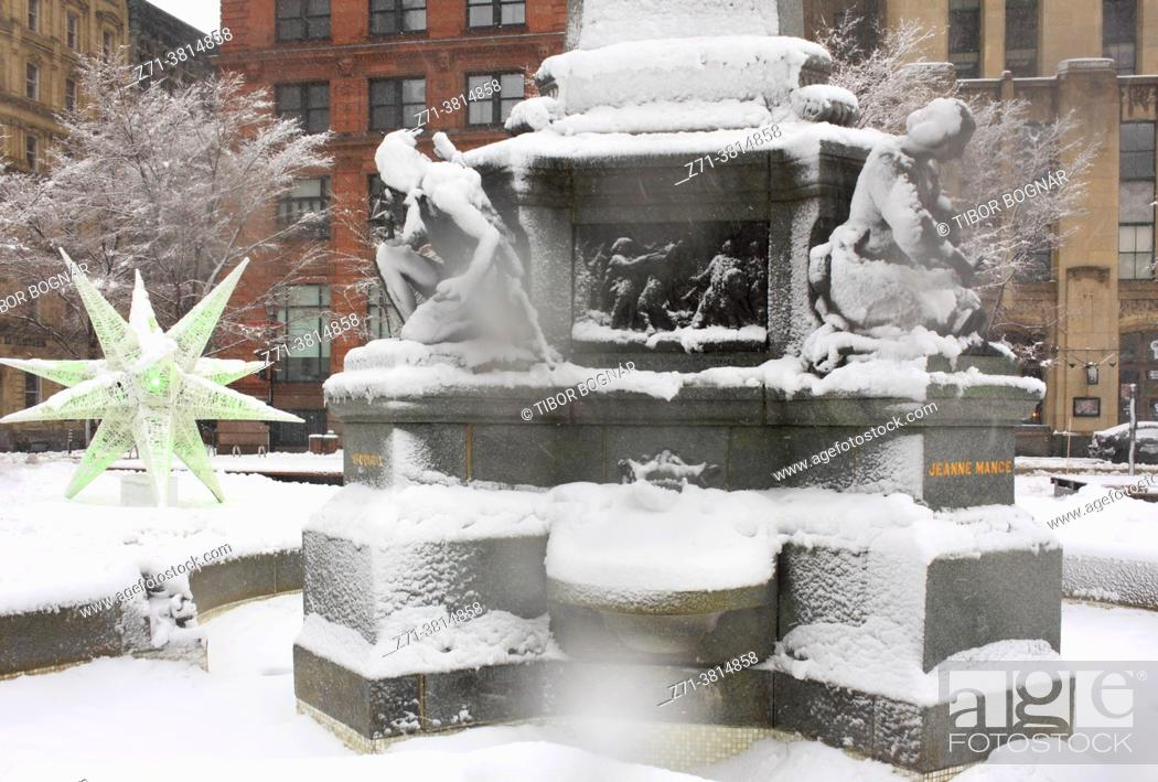 Stock Photo: Cananda, Montreal, snowfall, Place d'Armes, Maisonneuve monument, Old Montreal, .