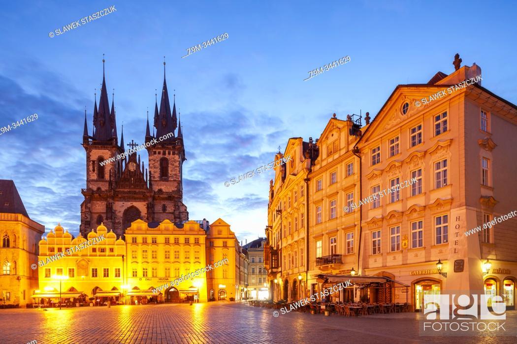Imagen: Dawn in Prague old town, Czechia.