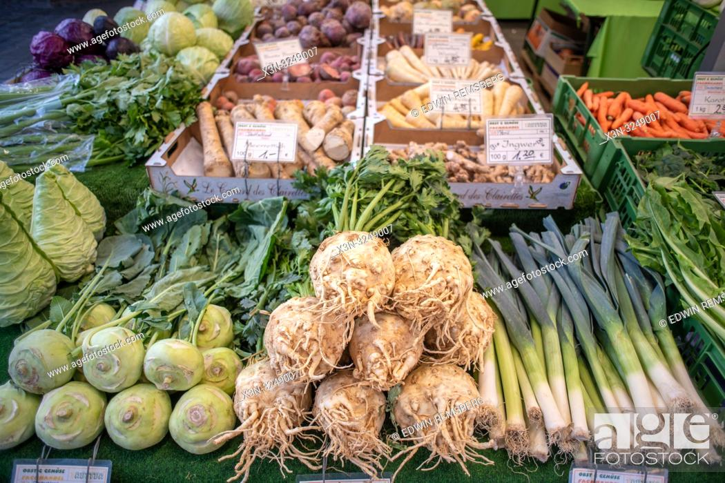 Imagen: Various produce in a market at Munich, Germany.