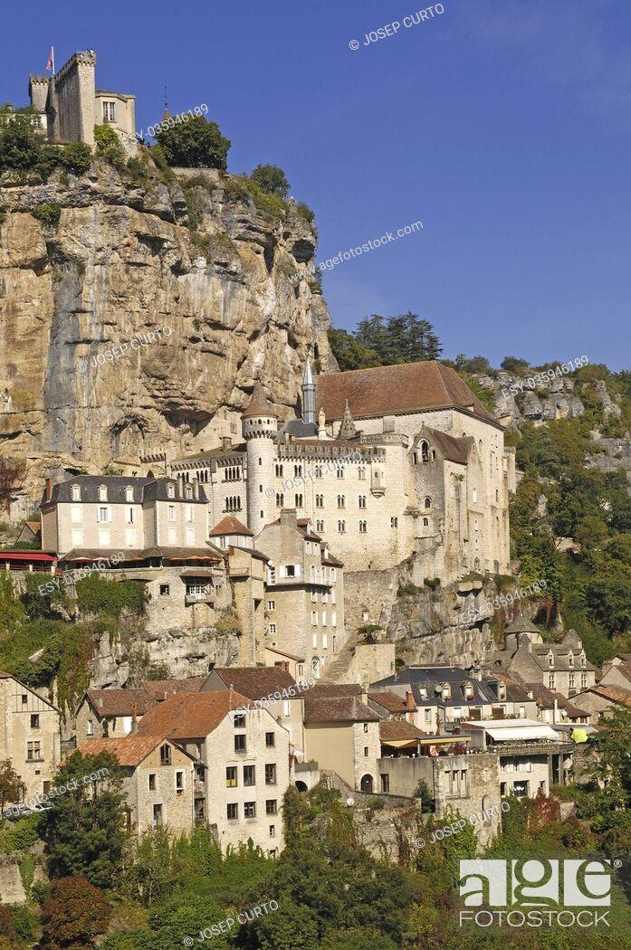 Imagen: Rocamadour village wide landscape daylight view , France.