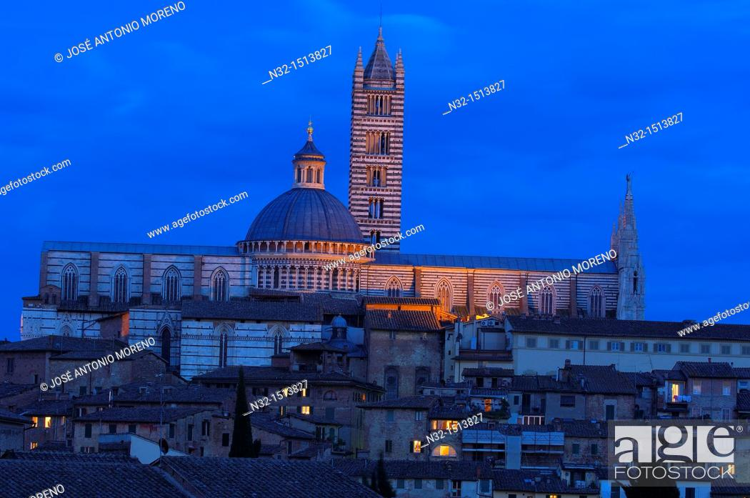 Stock Photo: Duomo cathedral at dusk, Siena, UNESCO World Heritage Site, Tuscany, Italy.