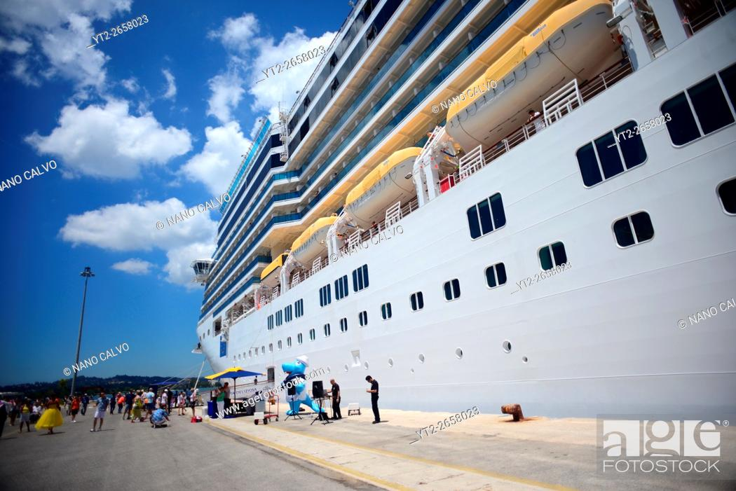 Stock Photo: Luxurious cruise ships in Corfu, Greece.